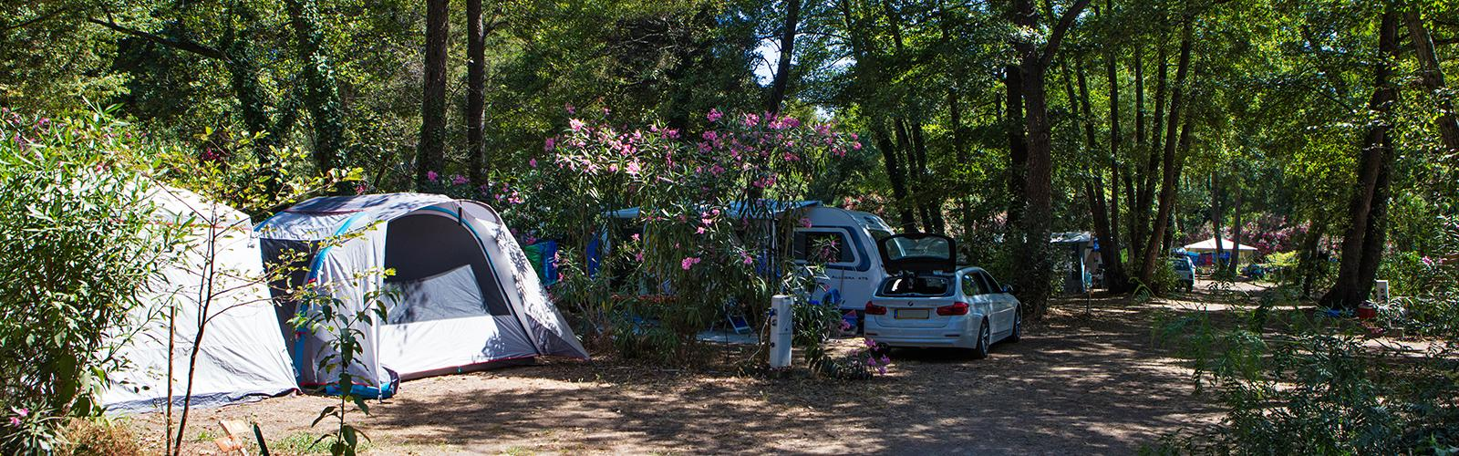 Emplacement camping corse